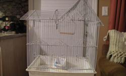 BIRD CAGE SUITABLE FOR SMALL BIRD (CANARY, PARAKEET) GOOD CONDITION