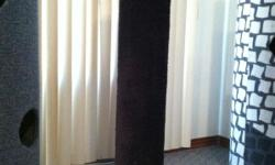 Black carpeted scratching post.